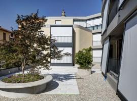 Granito Riviera impallinato su split ex Latteria | Balerna